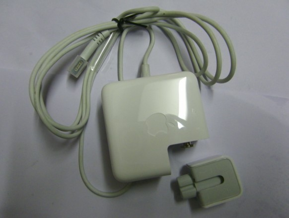 A1244 Laptop Adapter